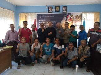 Nurkhalis Dt.Bijo Dirajo dan Budi Febriandi usai FDG dilakukan foto bersama dengan wartawan Payakumbuh Limapuluh Kota.