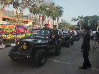 Parade Jeep Wllis dalam memeriahkan HUT TNI ke 74 di Padang.