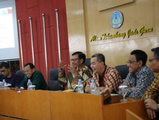 Rapat koordinasi pengurus pusat ICMI dengan MPW ICMI Sumbar.