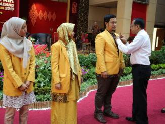 Rektor Prof. Ganefri saat pelantik personil Pukek.