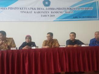 Study komparatif wartawan Pyk- 50 Kota yang ditetima langsung ass III KBB Agus Milyana, Kabag Humas Heri dan Ketua PWI.KBB Heni Herawati.