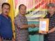 Tim Fikar Azami menerima formulir penndaftran dari Partai Berkarya..