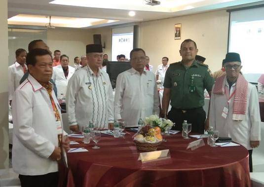 Wagub Nasrul Abit saat menghadiri Musyawarah PMI Sumbar ke X.