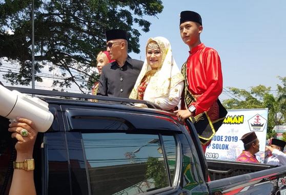 Arak-arakan menjelang pelantikan Ketua PKDP Solok.