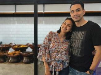 Darius dan Dona di Rumah Makan Padang-nya.