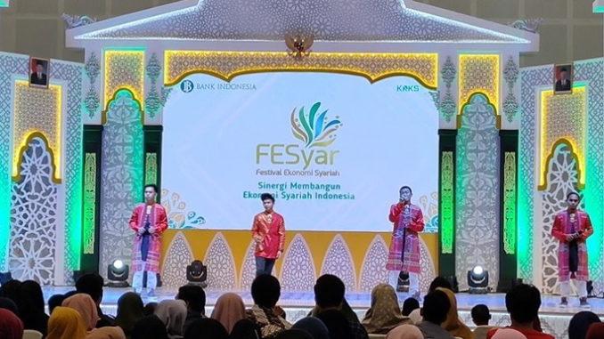 NuZhic saat tampil di Fesyar Indonesia 2019 Surabaya.