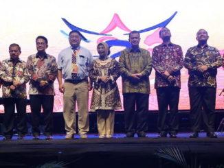Pembukaan Tour de Singkarak di Pantai Gondoriah Pariaman Sukses