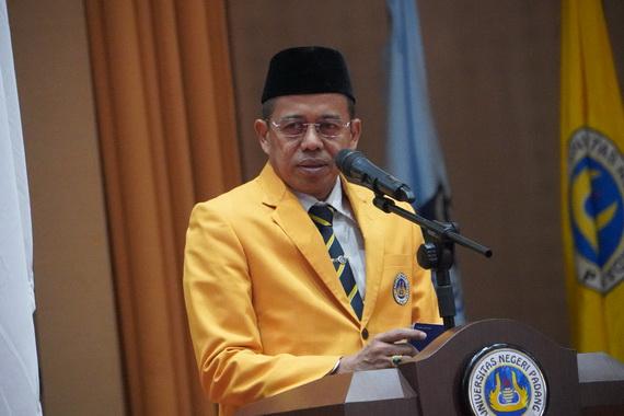 Prof. Ganefri.