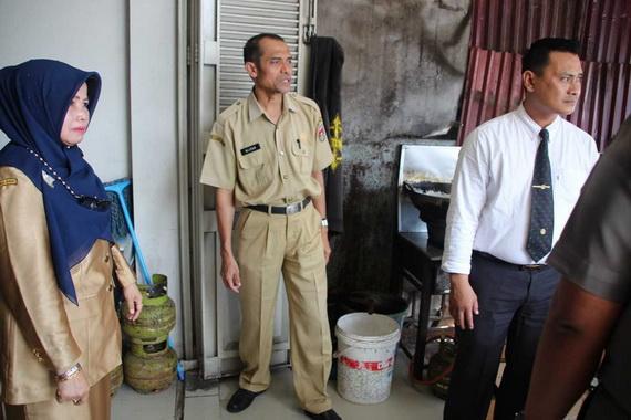 Sidak pemakaian gas LPG 3 kg bersubsidi ke restoran yang ada di Bukittinggi