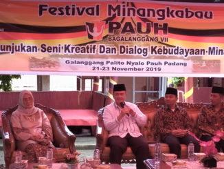 Wagub Nasrul Abit saat menghadiri Festival Pauah Bagalananggang.
