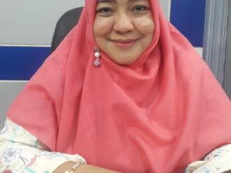 Anggota DPRD Nila Kartika Menyayangkan Bangku Trotoar Jadi Jemuran