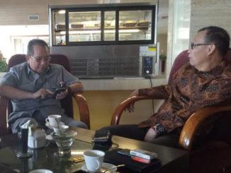 Bupati Yudas Sabbagalet saat menjelaskan tentan potensi dan situasi Mentawai.