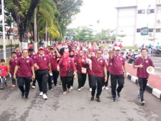 Gerak Jalan Sehat yang digelar DW UNP.
