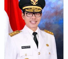 Gubernur Sumatera Barat Prof. Dr. Irwan Prayitno, M. Sc
