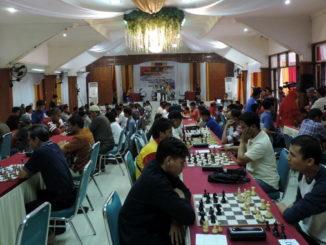 Kejuaraan catur di Padang Panjang.