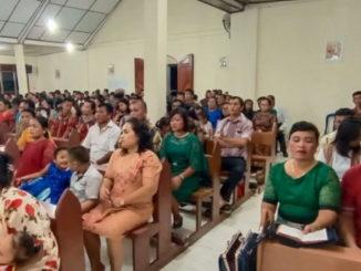 Misa di salah satu gereja di Pasbar.