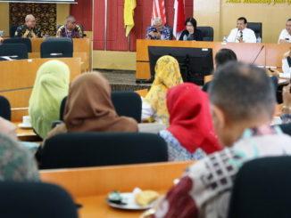 Presentasi Kemenristek di UNP tentang Program Pelatihan Dosen Profesional