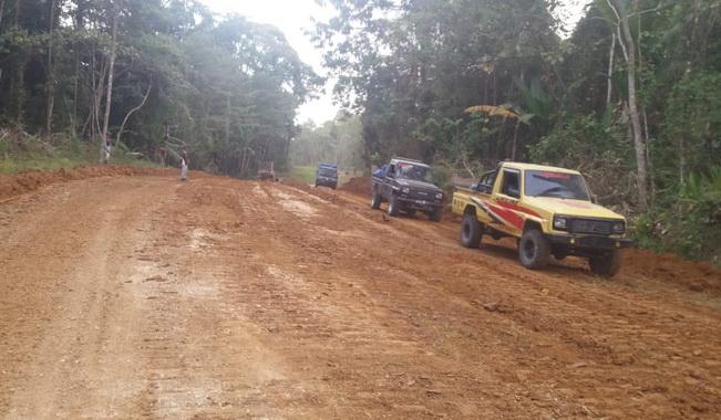 Proyek jalan strategis di Mentawai.