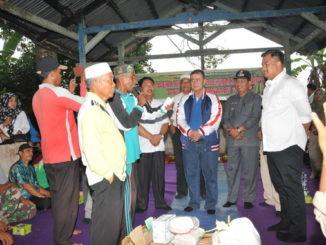 Wagub Nasrul Abit Bantu Gapoktan Pembasmian Hama Tikus