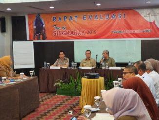 Wagub Nasrul Abit saat rapat evaluasi TdS dengan berbagai stekholder.