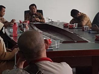 Wakil Bupati Limapuluh Kota, Ferizal Ridwan saat jumpa pers di ruang rapat Wakil Bupati