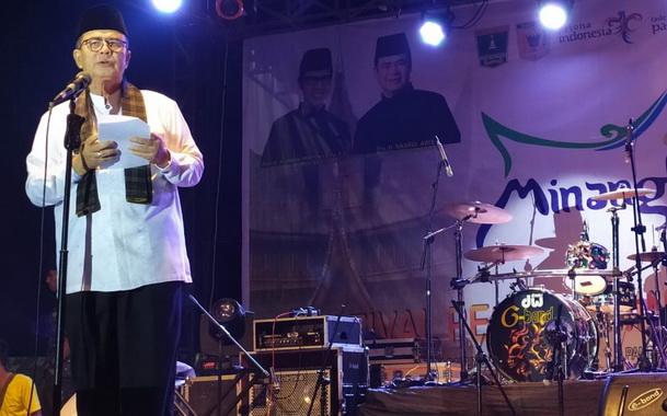 Wakil Gubernur Sumbar H. Nasrul Abit pada penutup Festival Pesona Minangkabau tahun 2019 pada hari ini, Minggu, 8 Desember 2019