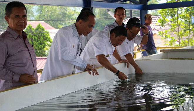 Wako Ramlan Nurmatias saat meninjau intake di kawasan Belakang Balok.
