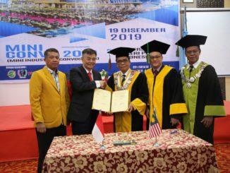Yunia Wardi bersama Ketua Perwakilan UNP di Malaysia Prof Alex Ong dan pimpinan UNP.