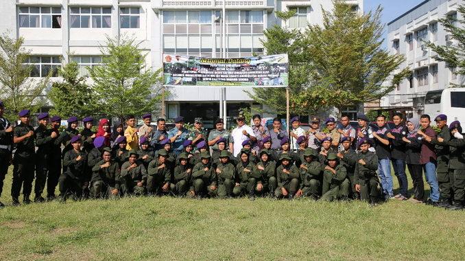 Anggota Menwa UNP foto bersama usai penutupan Dikbasis.