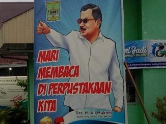 Baliho Ali Mukhkni di MAN IC Padang Pariaman.