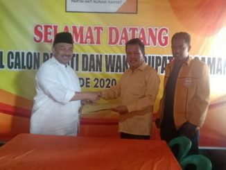 Benny Utama saat mendaftar ke DPC Partai Hanura Kab. Pasaman.