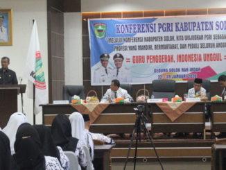 Bupati Solok saat membuka acara Konferenci PGRI Kab Solok
