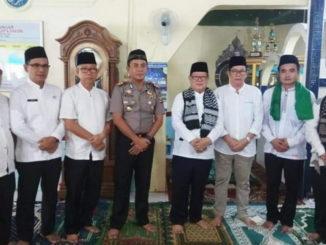 Bupati dan Kapolres Muratara saat berkunjung ke Desa Suka Menang.