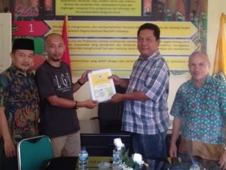 Dedi Rahmanto Putramengambil formulir bakal Calon Bupati- Wakil Bupati, Kabupaten Pesisir Selatan.