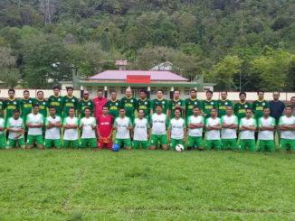 Foto bersama para pemain sebelum bertanding.