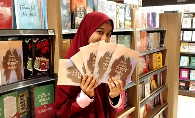 Indahnursf, Penulis novel Hijrah Terindah.