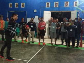 Kapolres Pessel sat meresmikan Camat Badminton Cup I.