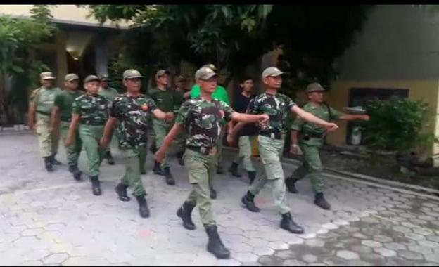 Pelatihan PBB kepada Linmas di Kelurahan binaan.