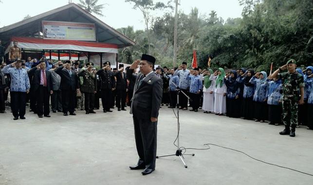 Wabup Ferizal Ridwan jadi Irup Peringatan petistiwa heroik Titian Dalam Pandam Gadang Gunuang Omeh. .