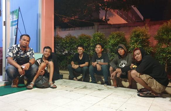 Empat pemuda Bengkulu yang difasilitasi kepulanganya oleh Dinsos Pessel.