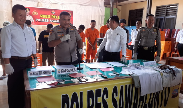 Kapolres Sawahlunto saat jumpa pers.