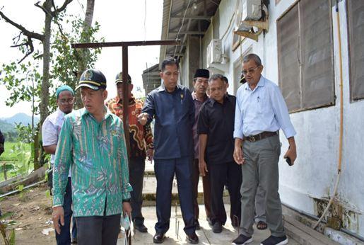 Komisi III saat meninjau RSU BKM Sago.