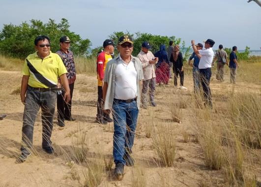 Kunjungan Deputi Kemnterian Kemaritiman ke Teluk Tapang.