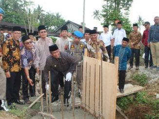 Peletakan batu pertama pembangunan Masjid Raya Talang.