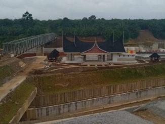 Pembangunan irigasi Batang Bayang yang tak selesai tepat waktu.