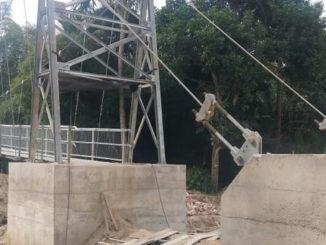 Proyek jembatan gantung Lamposi yang terbengkalai.