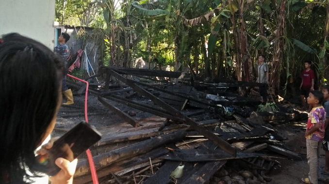 Rumah warga yang habis terbakar