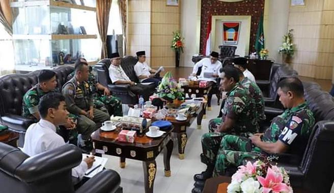 Wawako Hendri Septa saat menerima kunjungan Tim SK4 Kota Padang.
