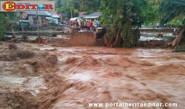 Banjir bandang di Kec. Ampek Nagari Kab. Agam.