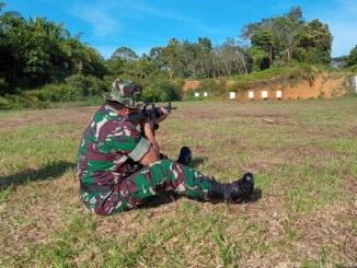 Latihan menmbak di Koramil Sipora, Mentawai.